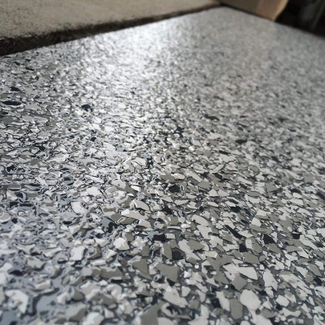 Epoxy Flake Concrete Floor | Waterloo, Iowa