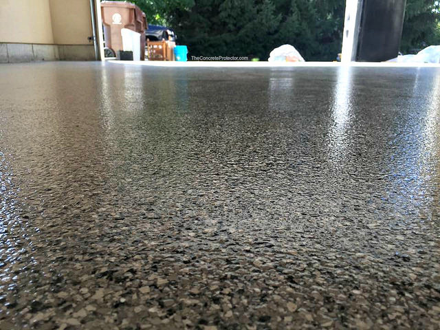 Epoxy Flake Concrete Floor | Des Moines, Iowa